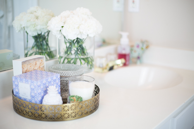 How to Instantly Refresh your Bathroom with Scrubbing Bubbles @walmart - via @maeamor