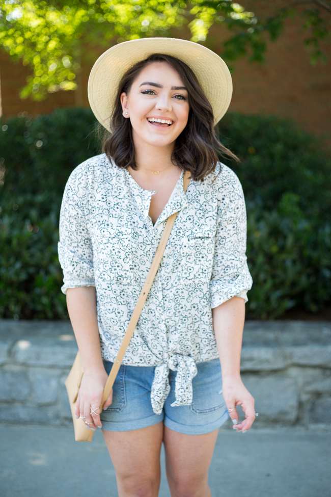 One Shirt Dress Two Ways for Summer Vacation - via @maeamor