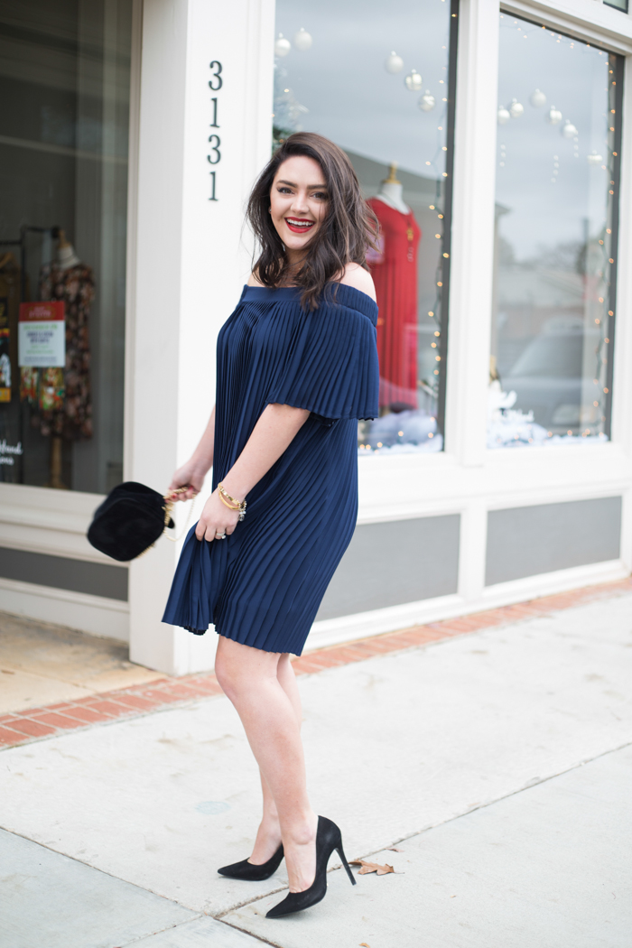 Navy Pleated Off-the-Shoulder Dress | Holiday dresses | Bold Red Lip - via @maeamor