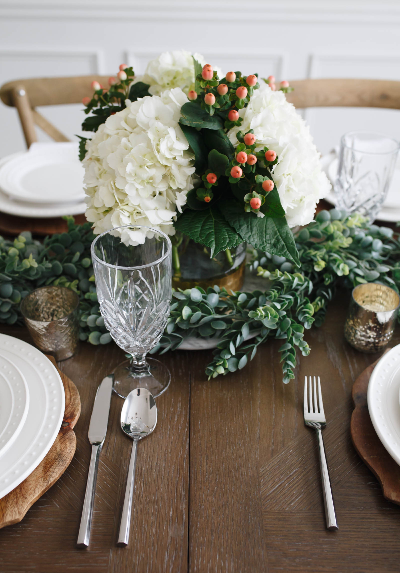 Holiday Tablescape 2017 | Winter Greenery | Hydrangeas | Winter Berries | World Market | White and Gold | via @maeamor