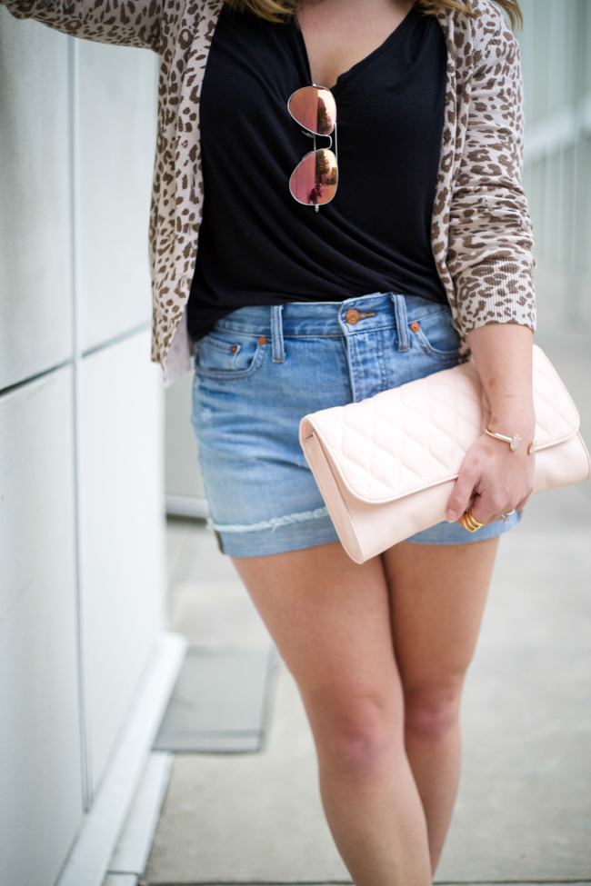 560fc4941743 ... Perfect Summer Shorts via Mae Amor @maeamor Madewell, H&M, LOFT, Ray-