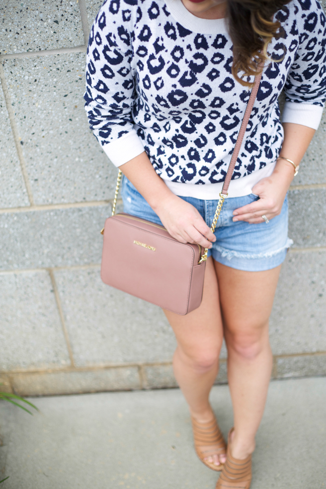 93842aa4b182 blue leopard print sweater via @maeamor Madewell Perfect Summer Short,  Michael Kors cross body bag in dusty rose, tan mules